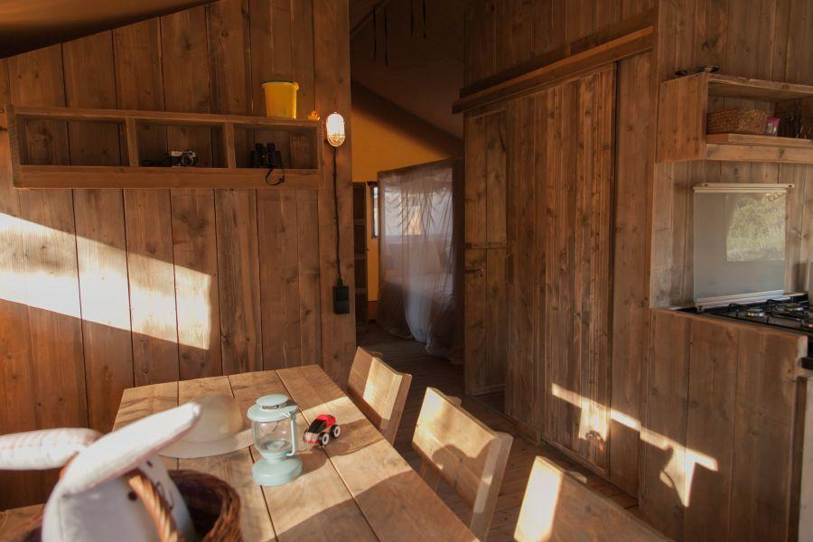 3 Camping Senia Riu comedor Glamping Cottage-Glamping con niños