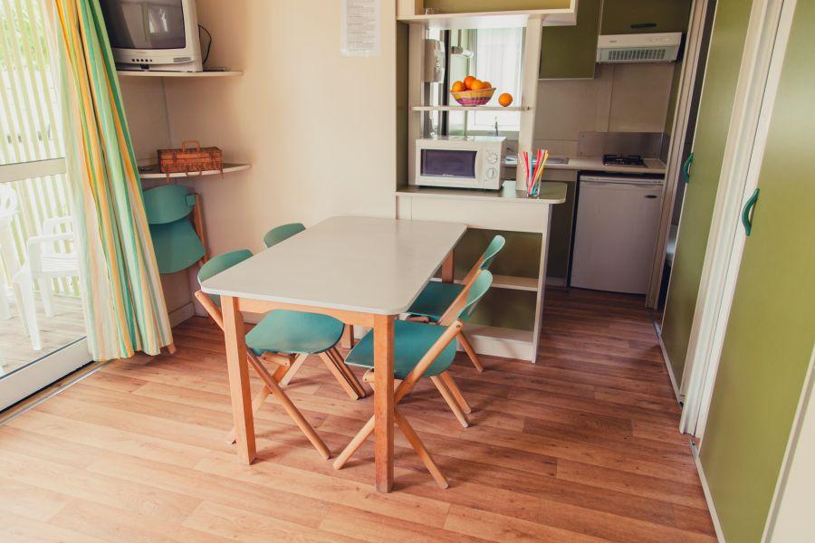 5-Camping Senia Riu salon Bungalow Family para Familias