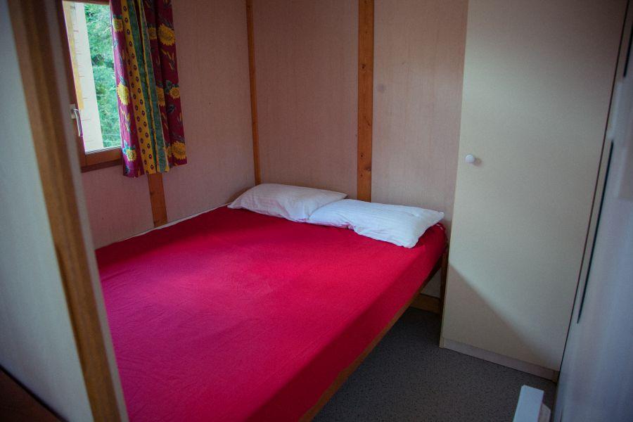 5-camping rupit-bungalow family-habitacion doble-bungalow familiar en la montana