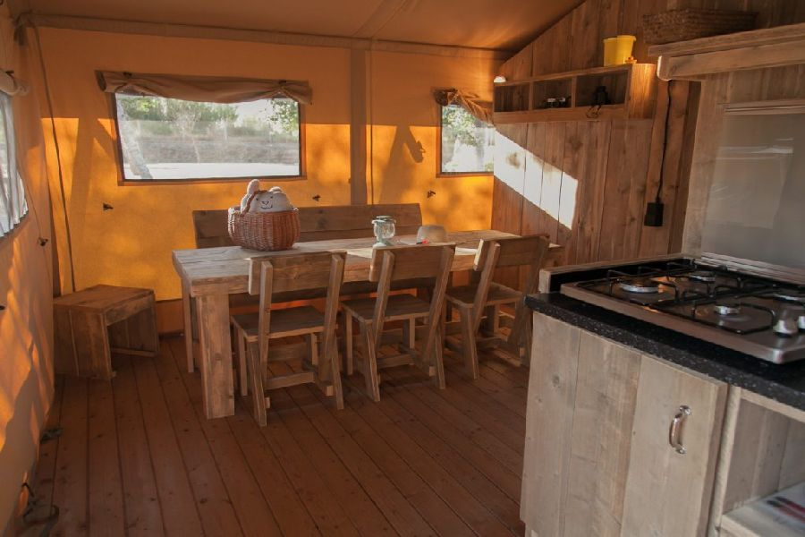 Camping Caballo de Mar photo Kitchen Glamping Tent Woody family