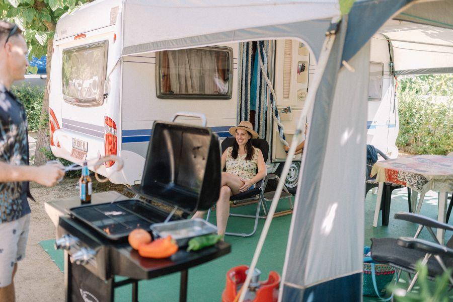 Camping_tucan_parcela_confort_camping-para-caravanas